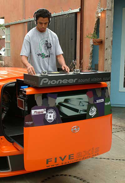 Top 10 Fastest Cars >> Pioneer Mobile DJ