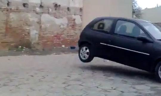 Insane - Opel Car Destroying a Wall