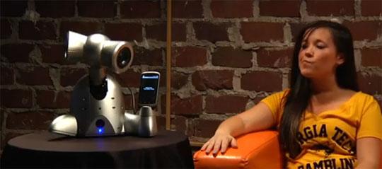 Cute, Weird and Adorable Dancing Alien iPhone Dock Robot