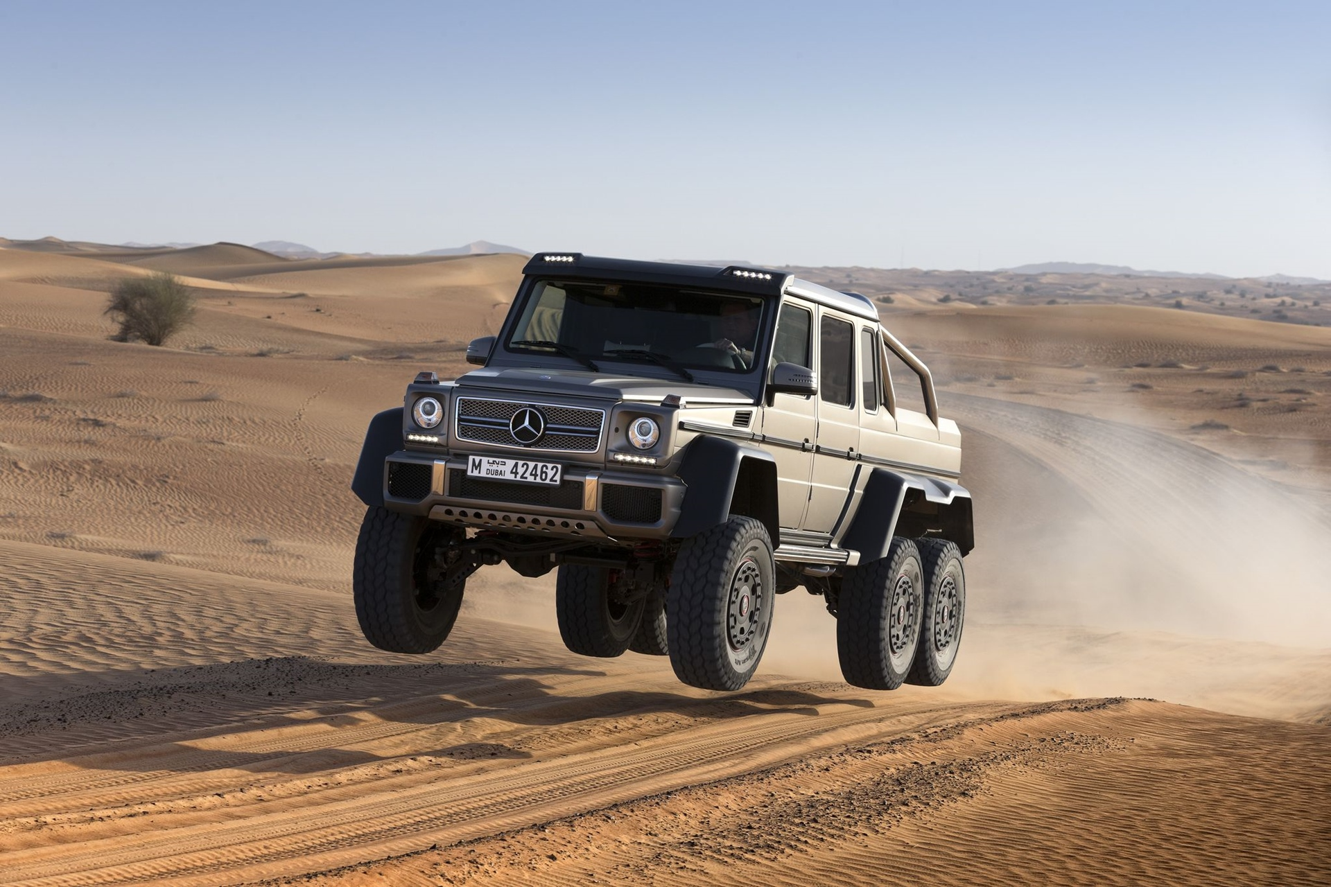 Badass Mercedes-Benz G63 AMG 6x6 Shows Who's The Boss