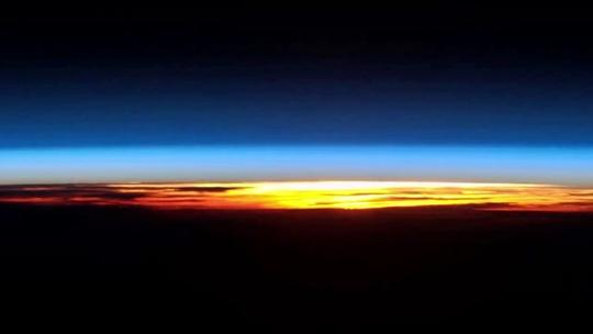 sunrise from international space station - photo #44
