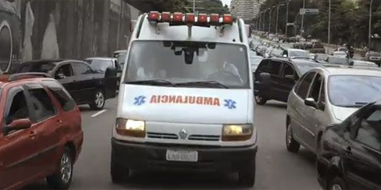 Ambulances Highjack Car Radios To Let Drivers Know They're Coming