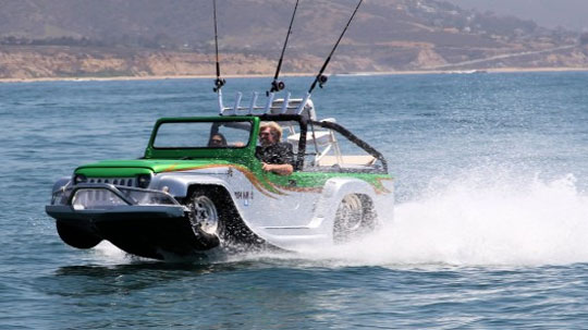 The Jeep that Drives Everywhere Even on Water