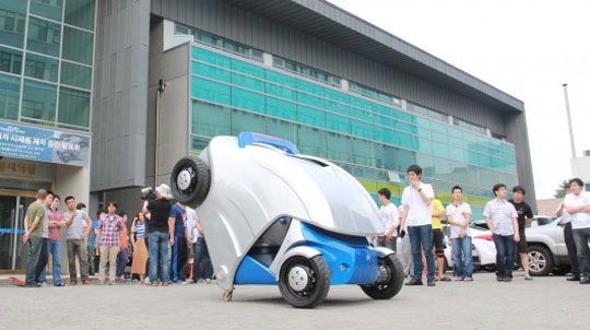 Armadillo-T Electric Car Folds Up For More Parking Space