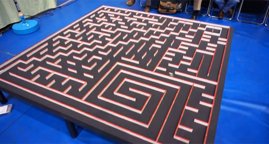 Tiny Robots Find Their Way Through a Maze