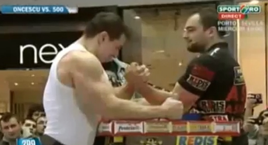 Muscle Science - Pro Armwrestler VS Pro Bodybuilder