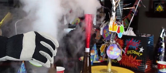 "7 ""Super Cool"" Demonstrations with Liquid Nitrogen"