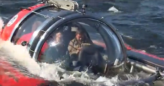 C-Explorer 5 Mini-Sub Takes Vladimir Putin Under the Sea