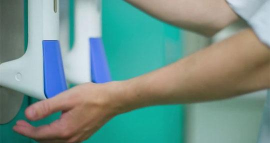 Sanitizer-Dispensing Door Handles Make Hospital Staff Clean