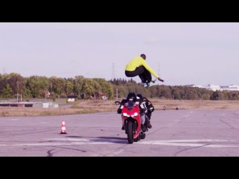 Guy Jumps Over Two Motorcycles Going 112 km/h