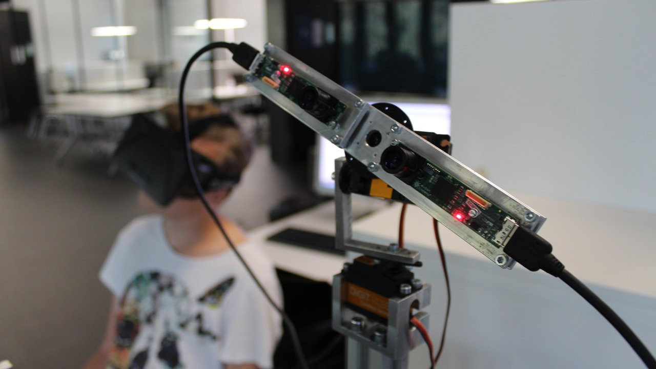 Amazing Oculus Rift-Controlled Robot