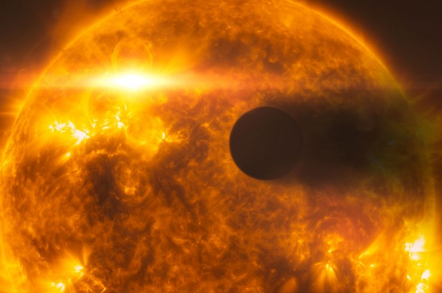 Nearby Exoplanet's Hellish Atmosphere Measured