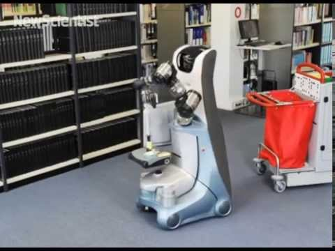 Robot Cleaner Tidies Up Office Buildings