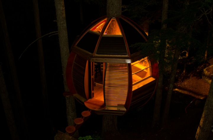 It Looks Like a Crashed UFO, But HemLoft is a Real Treehouse Hidden in the Forest