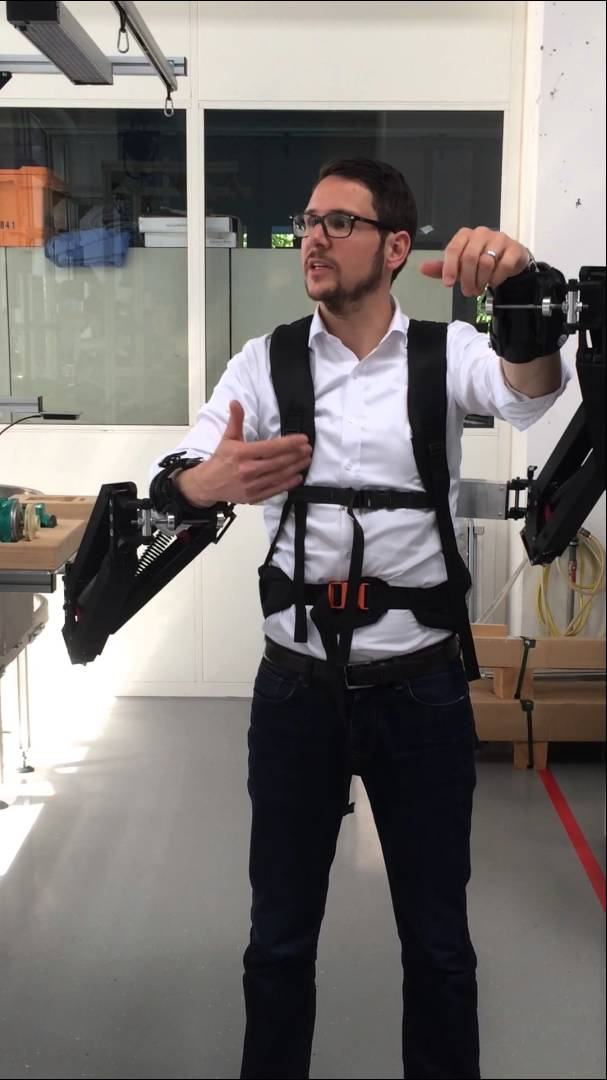 This Exoskeleton Rig Makes Factory Workers 10 Times Stronger