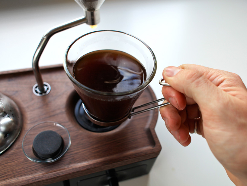 Alarm Clock That Brews Fresh Coffee to Wake You Up and 28 More Gadgets Lazy Geeks Would Love