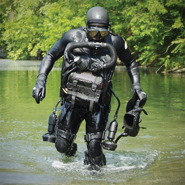 aquatic-thrust-boots