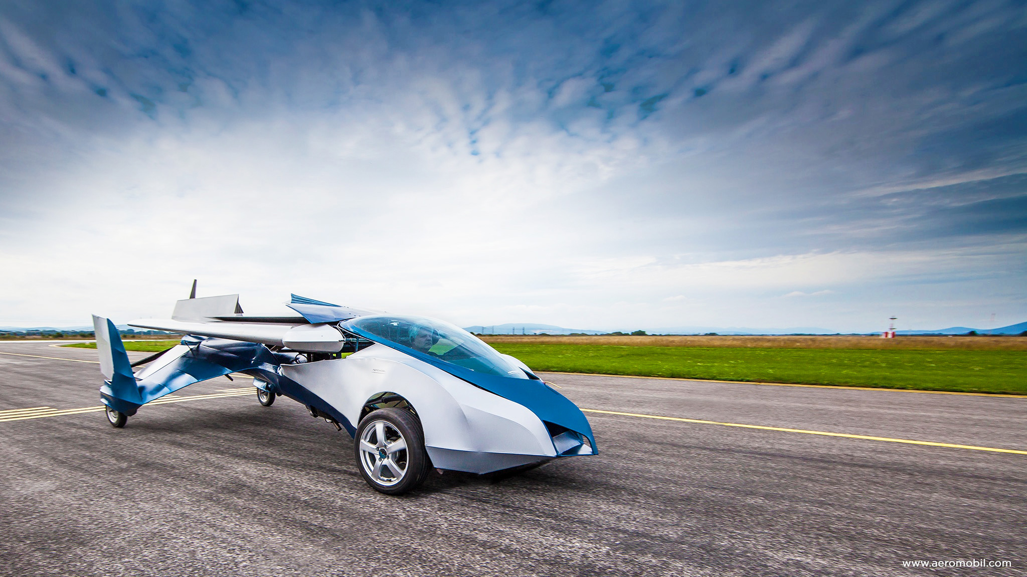 AeroMobil 3.0 Flying Car Set to Hit the Market in 2016