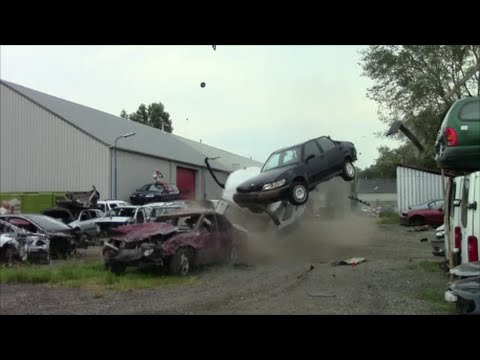 This is why people say Volvos are tanks