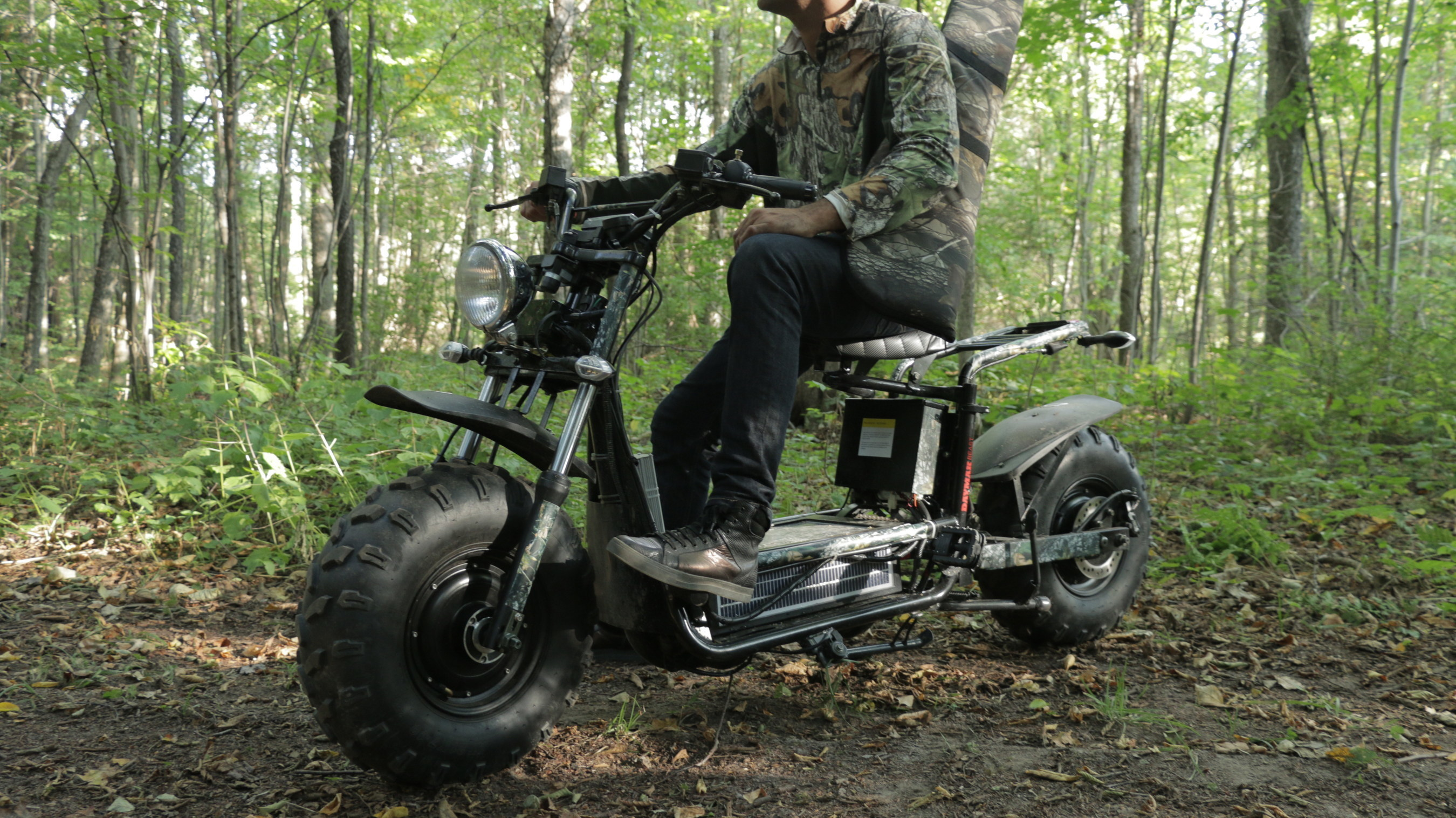 Daymak's The Beast - an Off-Road Scooter with Fat Tires and Solar Charging