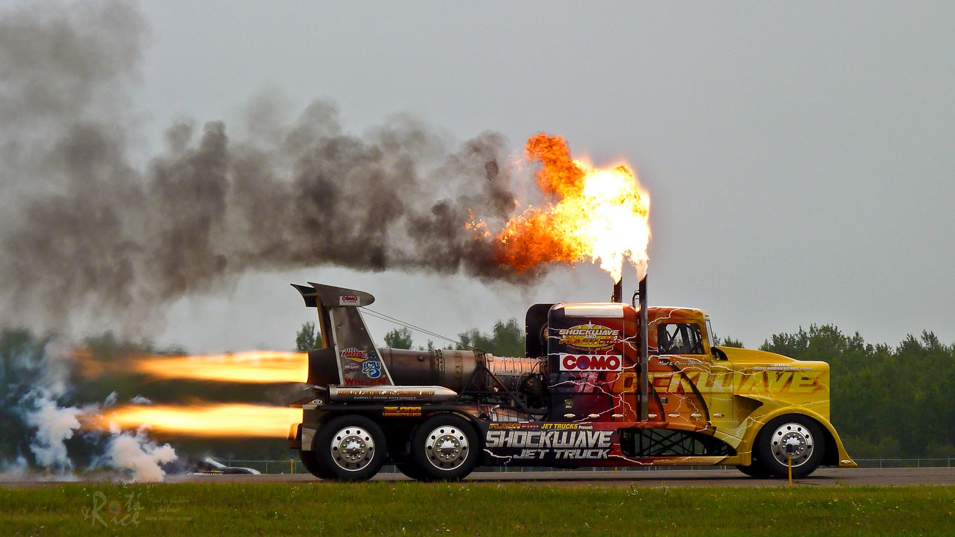 Shockwave is World's Fastest Truck, Powered by Three Jet Engines That Generate 36,000HP
