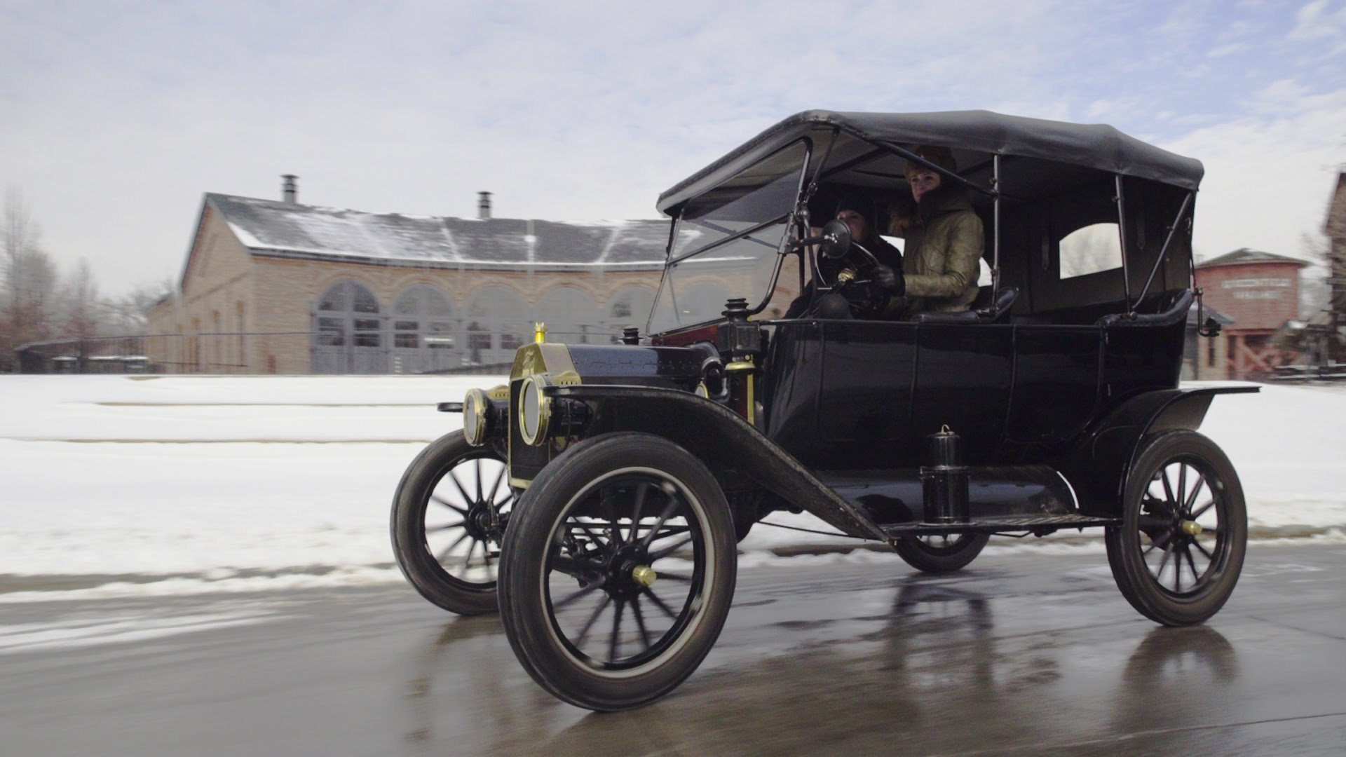 Driving the Ford Model T: No Heating, No Gas Gauge, No… Gas Pedal?