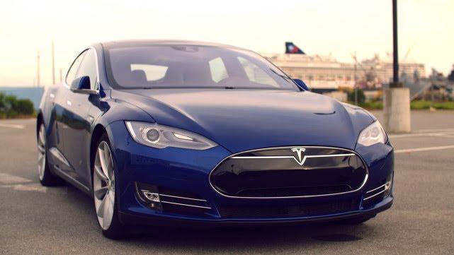 Tesla's Summon Feature Is Like Knight Rider. Kinda