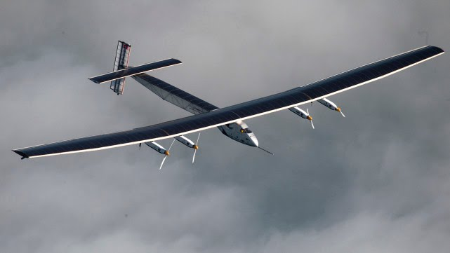 The Thrill of Flying a Solar Plane With a Coffin-Sized Cockpit