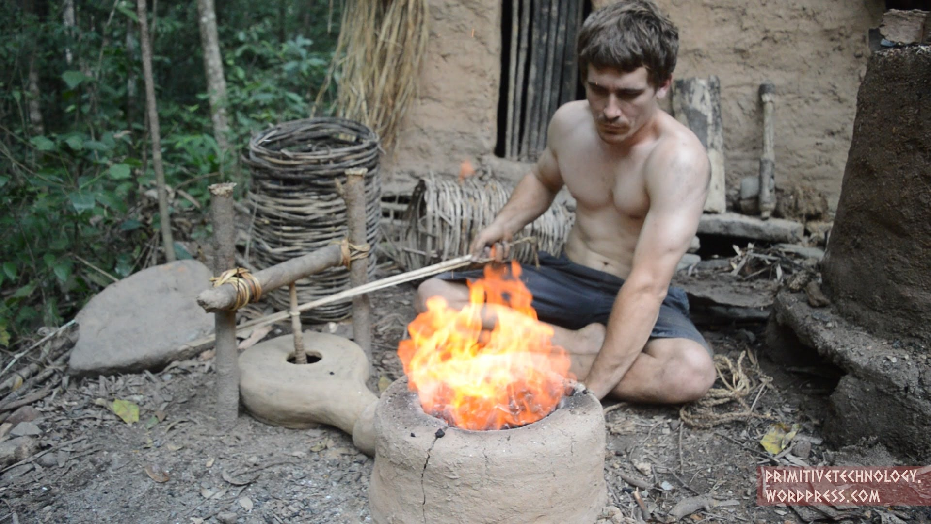 Interesting Primitive Technology - Forge Blower