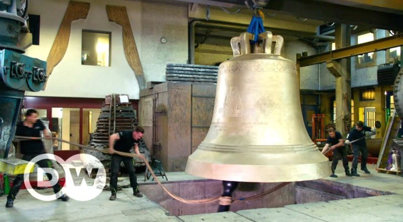Casting the heaviest free-swinging bell in the world - Documentary